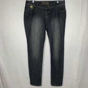Dereon 14w High Rise skinny dark wash jeans